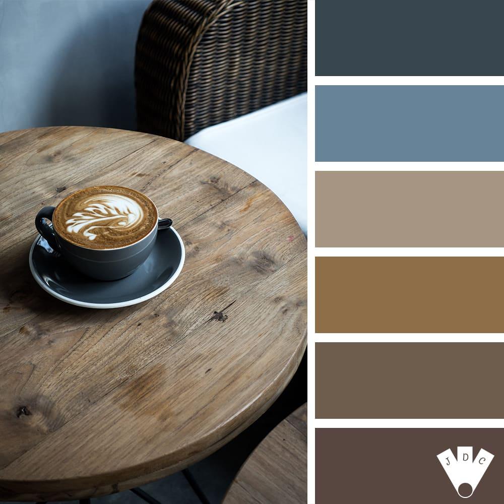 Color palette d'une tasse de café dans un environnement masculin.