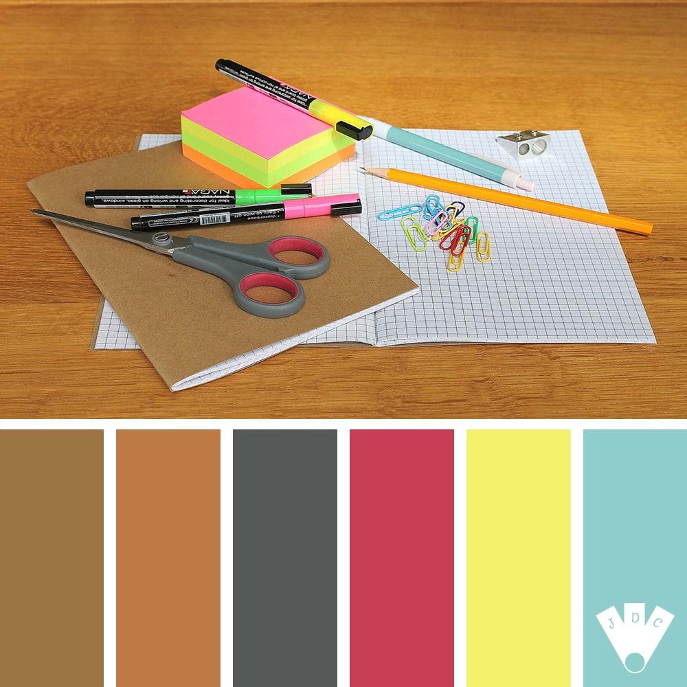 Color palette sur journal des couleurs pour la rentrée scolaire
